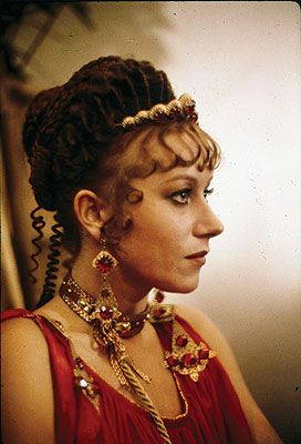 Helen Mirren in Caligula #RomanBling can't resist Helen Mirren, didn't even recognize her.