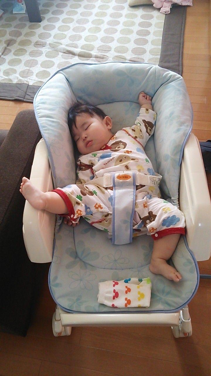 毎度、寝るとこの体制になります(*´∀`*) ほっこり中です♡