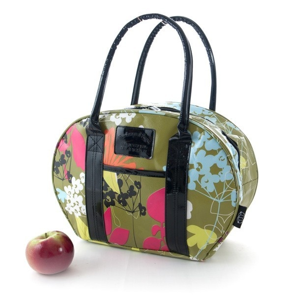 Grand sac à lunch isolé, ayant la forme d'un sac de bowling (sac de quilles). Des ganses élastiques sur la paroie intérieure permettent de retenir divers accessoires tels qu'ustensiles, bouteille de jus, etc.(non-inclus) . Fait de polypropylène recyc