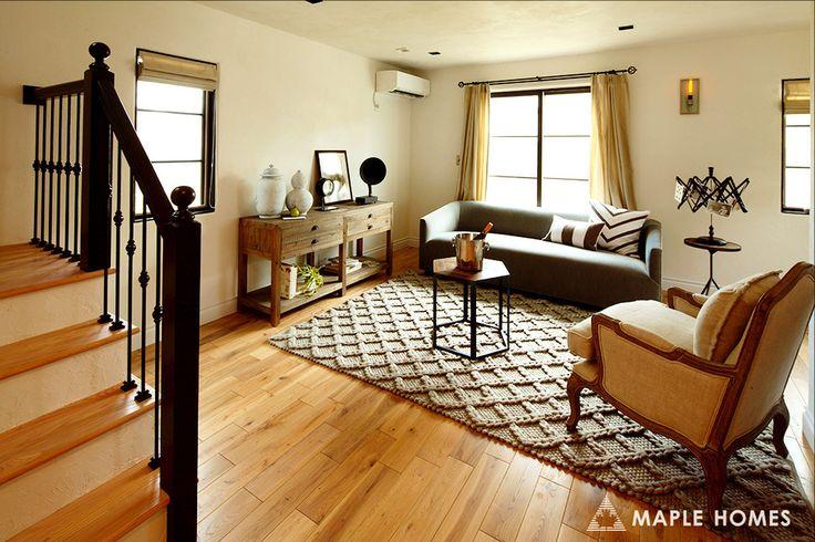#リビング には#オーセンティックコレクション の#家具 が良く似合う。    It looks really good with those #furnitures from #authenticcollection.    #メープルホームズ #輸入住宅 #MAPLEHOMES #フレンチ #北欧   #北仏 #南仏 #ペット #赤毛のアン #ケープコッド #follow4follow #tagsforlikes #instagood #マイホーム #マイホーム計画 #ナチュラルライフ #シンプルに暮らす #注文住宅 #house #myhome #快適な家 #自然素材の家   #子育て #livingroom