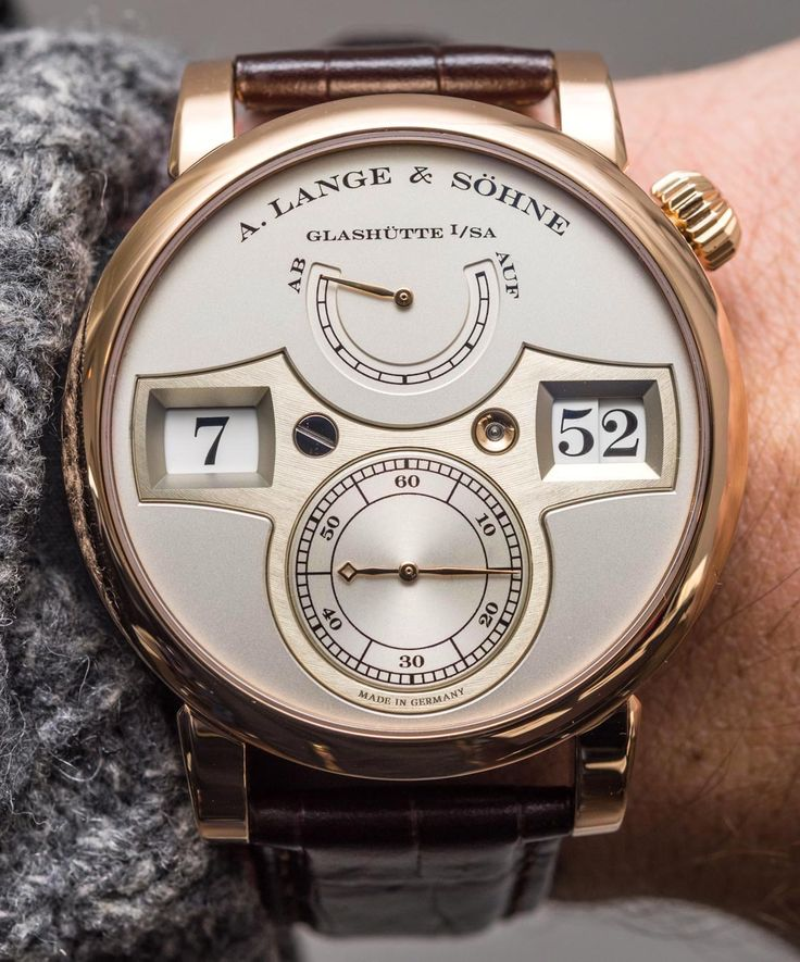 Sunday starts good as we go Hands-On with Three Incredible A. Lange & Söhne Zeitwerk Watches. Each with their own distinct complication: the standard version in rose gold, the Striking Time in rose gold, and the Minute Repeater in platinum.