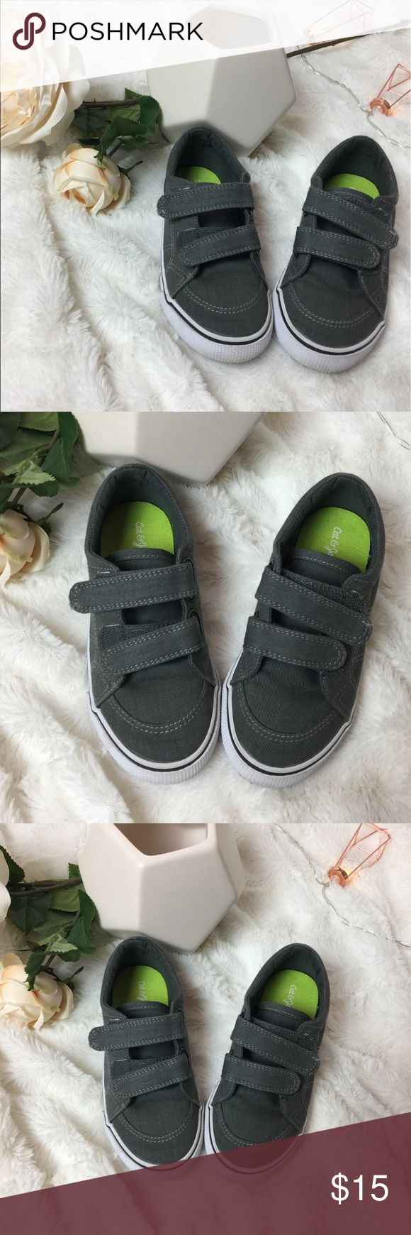 🆕Boys Cat and Jack Velcro Boat Shoes Toddler Boys adorable canvas boat shoe style with double Velcro closures for perfect fit and easy slip on design. Gray exterior with bright green interior. Excellent slightly used condition with slight wear on outer sole as shown in pictures. All items come from a pet and smoke free studio. Cat and Jack Shoes Sneakers