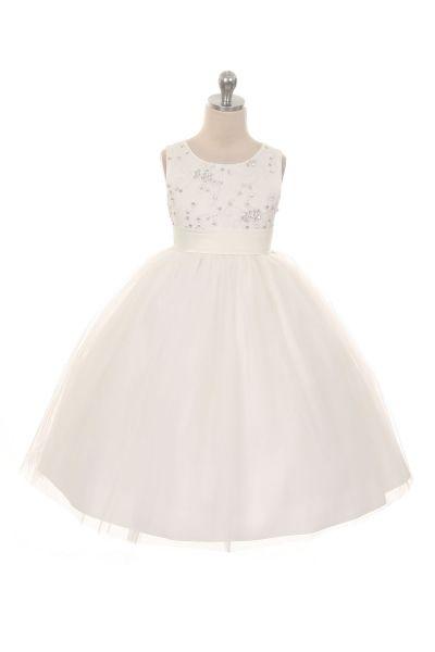 Gema, off-white kinderbruidsjurkje met een prachtig lijfje van bloemen borduursels afgewerkt met lovertjes en pareltjes Kinderbruidsmode, kinderbruidskleding, bruidsmeisjes jurken, bruidsmeisjes jurk, bruidskinderen, bruidskinderkleding, flower girls.