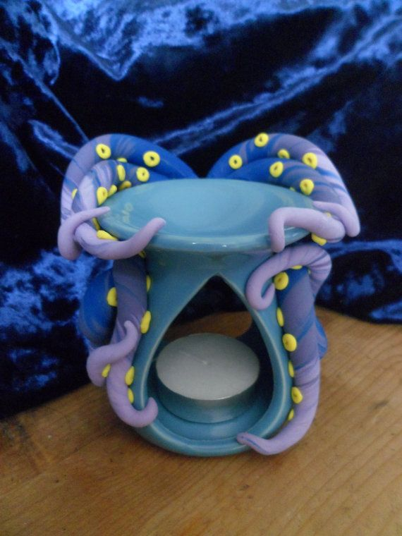 Oil burner with tentacles on Etsy, £12.00