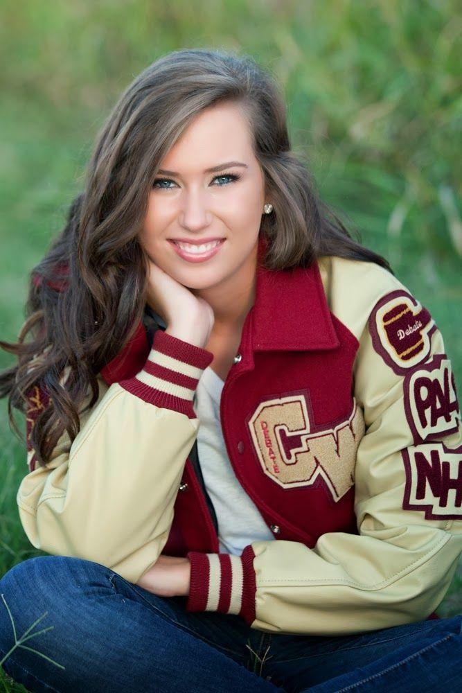 Pin by Michelle Hill on seniir pic | Senior portraits ...