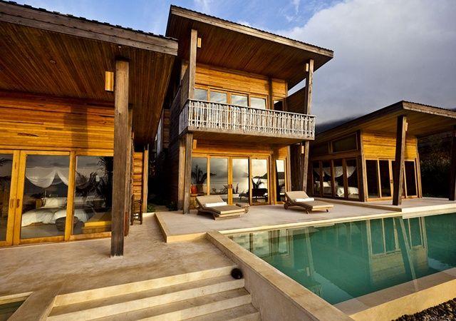 Hôtel Six Senses Con Dao (Vietnam) - Six Senses, le premier cinq étoiles de luxe dans les îles archipel, au design contemporain, reflète l'essence même d'un village traditionnel de pêcheurs. Avec un engagement assidu à soutenir et à protéger l'environnement, Con Dao a été construit avec l'empreinte écologique la plus légère.