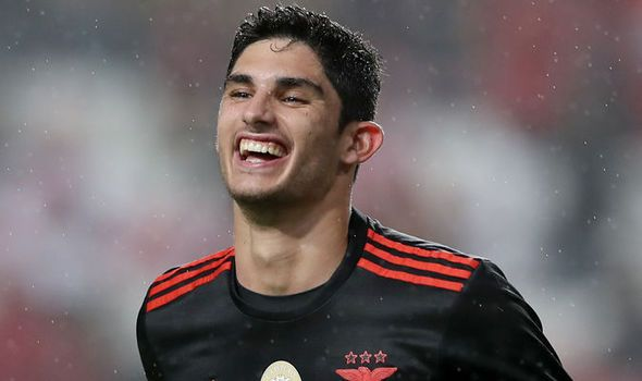 Transfer News: Man Utd 26m swoop Arsenal scout Portugal star Chelsea ace to join rival   via Arsenal FC - Latest news gossip and videos http://ift.tt/2kfJZEB  Arsenal FC - Latest news gossip and videos IFTTT