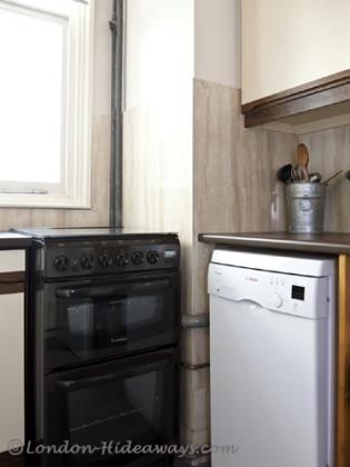 Kitchen facilities - Small fridge/mini freezer ,Oven, Stove top, Percolator, Kettle ,Toaster ,Dinnerware and cookware provided