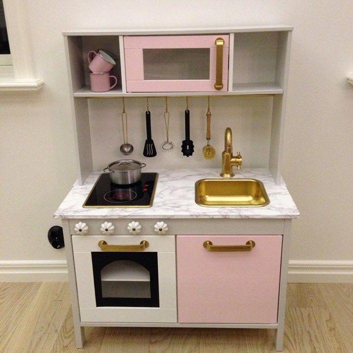 Måla om barnkök från IKEA