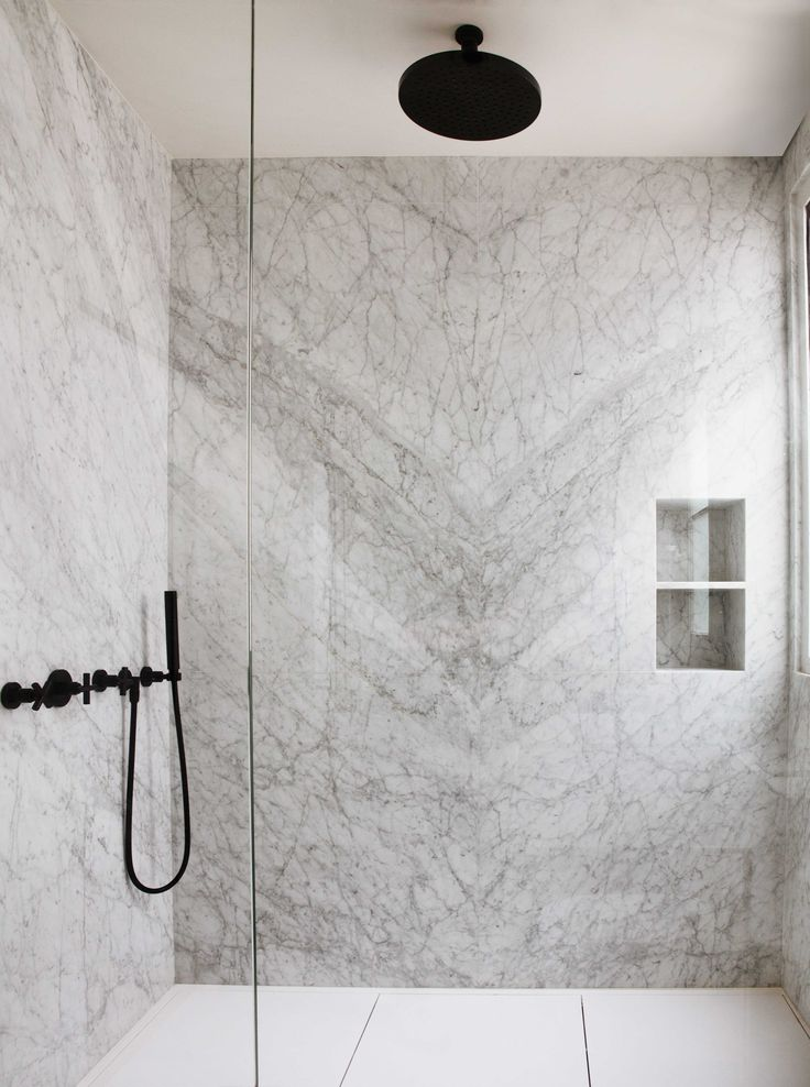 project by capo-architectes / white marble /black and white / www.capo-architectes.com