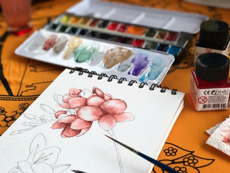 Watercolor mixing tile red and coral color, new flower painting