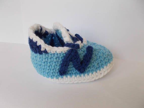 Zapatos, Nike, New Balance 490v3 de bebé, bebé nike, zapatillas Converse de bebé ganchillo, ganchillo zapatos tenis, botas de bebé, zapatos de bebé de punto de ganchillo, Foto prop, zapatos de bebé del ganchillo, botitas de bebé del ganchillo, crochet NIKE   Este ganchillo zapatos