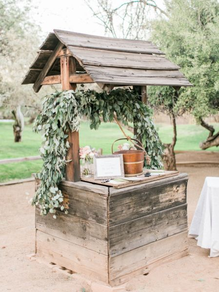 45 best Wooden Wedding Decor - 2017 trends images on Pinterest ...