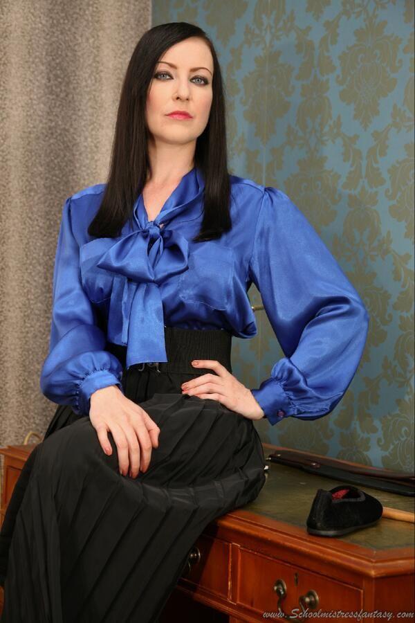 Blog mature women pantyhose