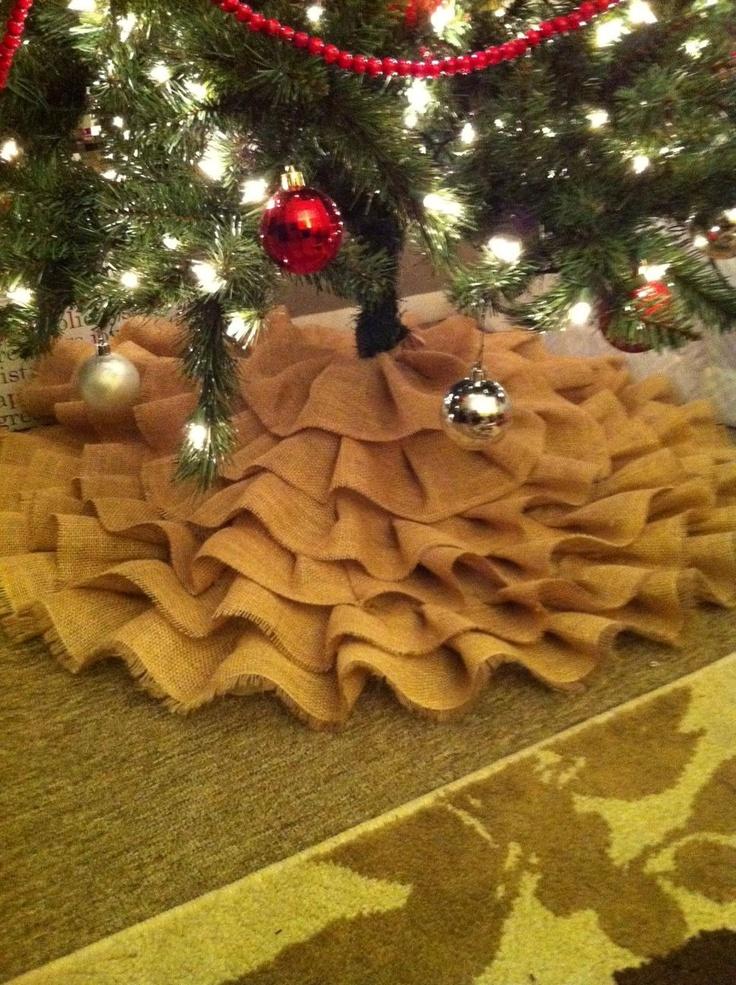 Hmmm, can I make this??  Burlap Tree Skirt. $50.00, via Etsy.