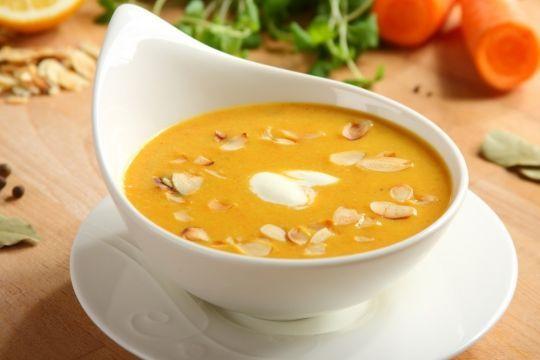 Zupa krem z marchwi i migdałów
