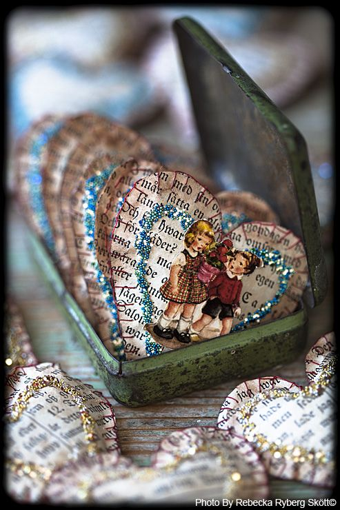 paper hearts for Valentine´s day  made by Vintage Fairy Tales Rebecka