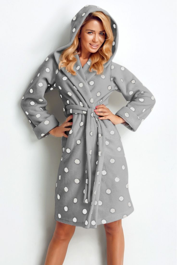 #župuna šedý s puntíky. #bathrobe with dots