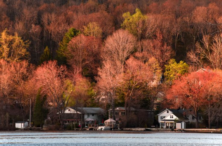 This town offers such beautiful lakeside views, you'd never guess it was a suburb of New York city.  For more information, visit Mtnlakes.org.