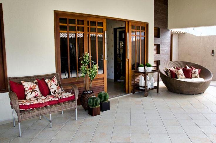 Finde tropische Häuser Designs von Celia Beatriz Arquitetura. Entdecke die schönsten Bilder zur Inspiration für die Gestaltung deines Traumhauses.