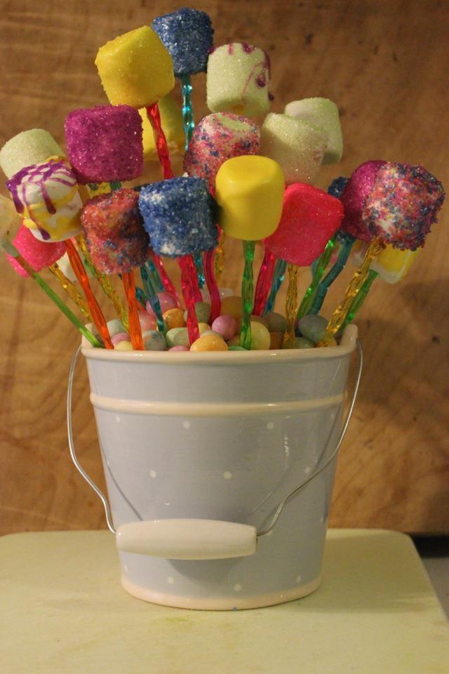 Easter Marshmallow Pops