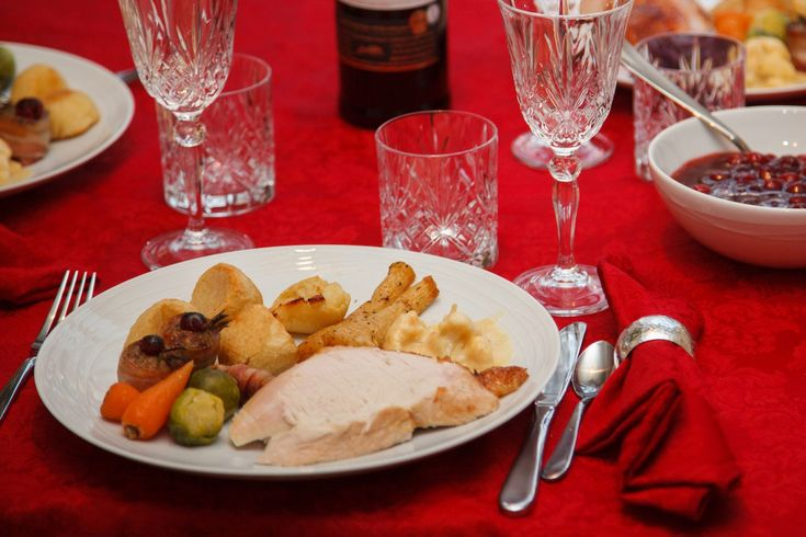 Q&A: Can I carry Christmas dinner in my hand luggage? Q&A: Can I carry Christmas dinner in my hand luggage?http://bit.ly/2okUMSY