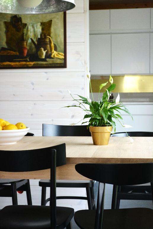 Bloom Paneelivaha Poutapilvi raikasti myös ruokailutilan seinäpinnat Asuntomessuilla 2015! http://colornova.fi/