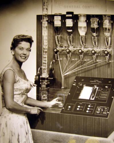 The Auto-Cocktailian - The Cellarist