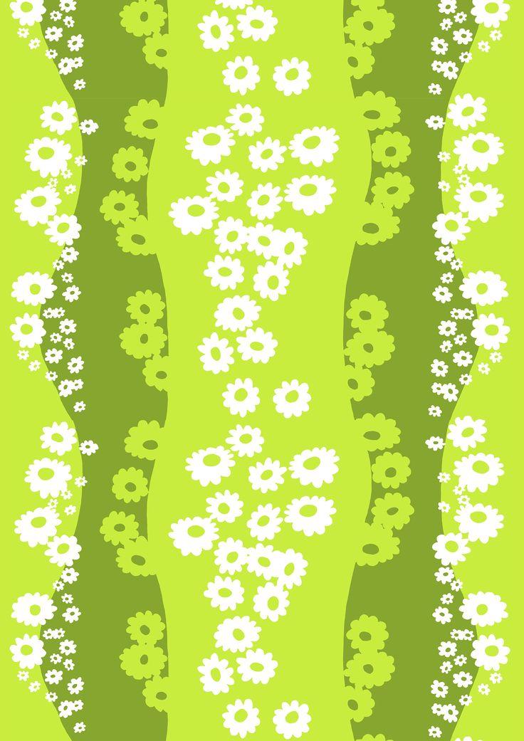 Päivänkakkara, green by Marjatta Metsovaara