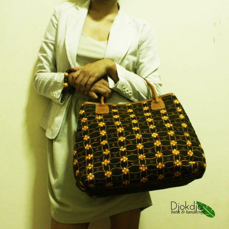Arimbi Checkered Batik Top Handle Bag    #djokdjabatik