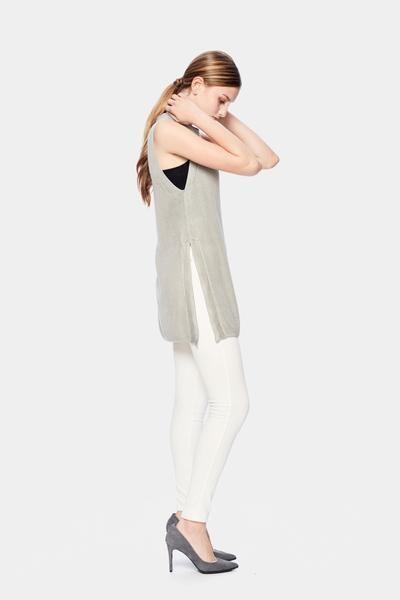 Munin Sleeveless Sweater - Ethical + Sustainable Fashion. – SiiZU