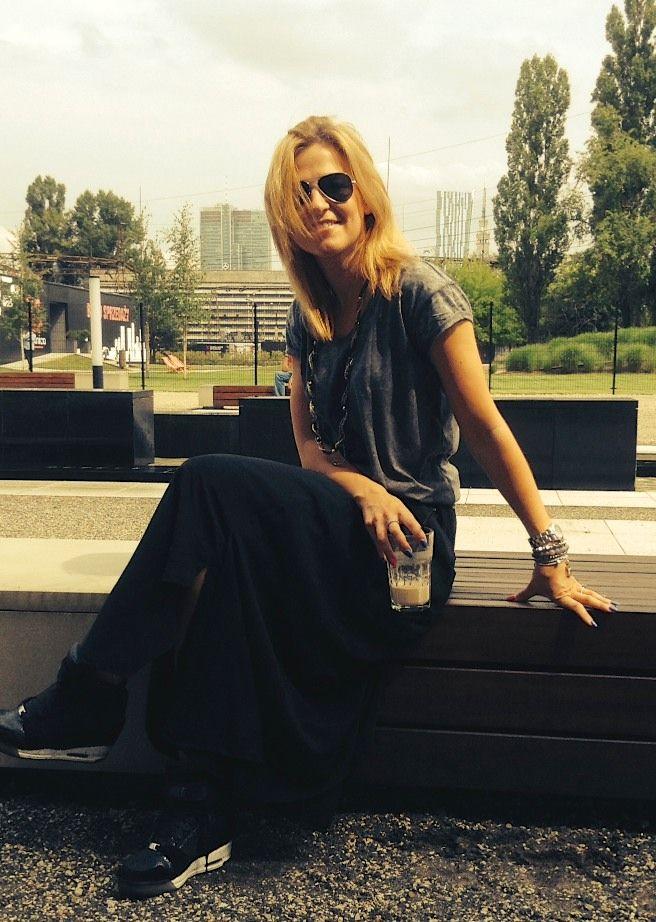 Aktorka Honorata Witańska w biżutetrii Fuerza. Fuerza #fuerza #aktorka #actress #collection #kolekcja #fashion #stylization #woman #kobieta #beautiful #look #bransoletki #bransoletka #bracelets #bracelet #jewelry