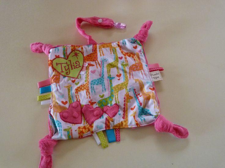 Doudou étiquette à nœud et attache tétine personnalisé girafe ...
