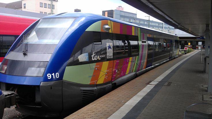 X 73910 - ATER - der SNCF TER Alsace am 23.07.2011 im Hauptbahnhof von vorne.