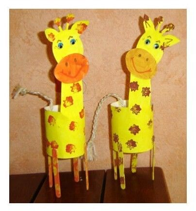 Giraffe with paper tube, cardstock, craft sticks and twine (or yarn)