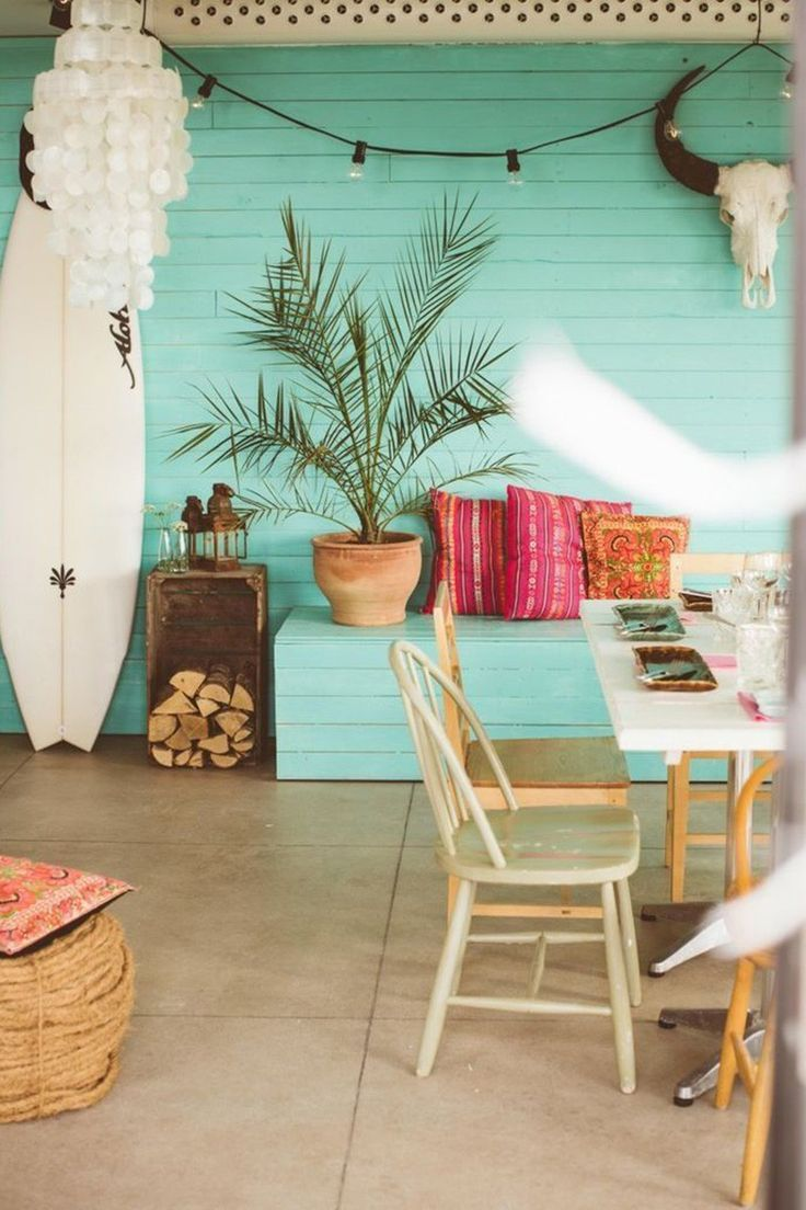 Fun tropical style and beach decor