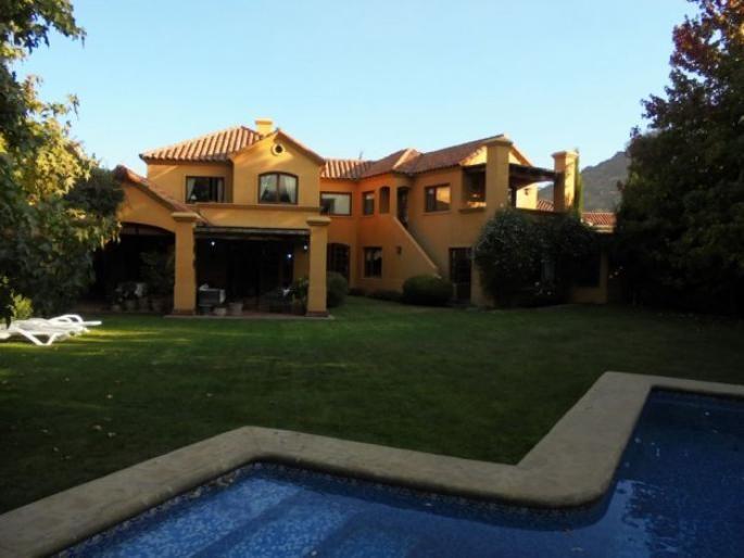 Casa en Santuario del Valle Informe de Engel & Völkers | T-1415426 - ( Chile, Región Metropolitana de Santiago, Lo Barnechea, Santuario del Valle )