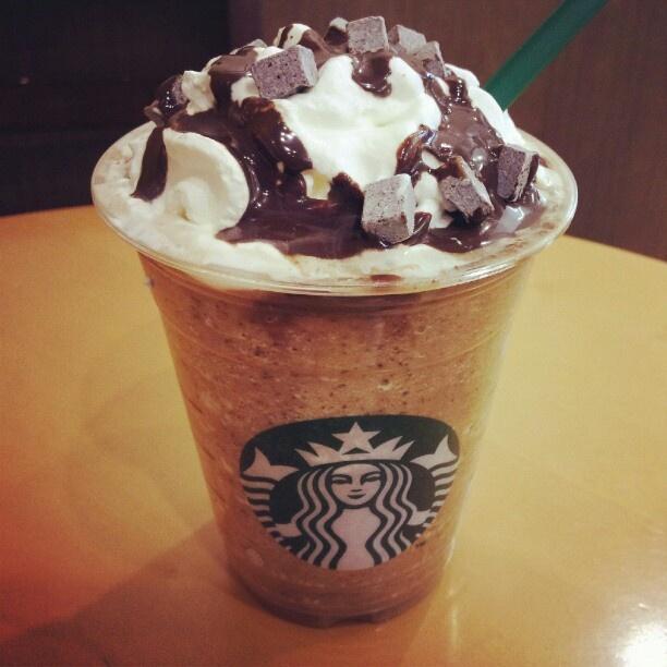 "@jinpink12's photo: ""자바칩 프라프치노  #JavaChip #Frappuccino #starbucks #coffee"""