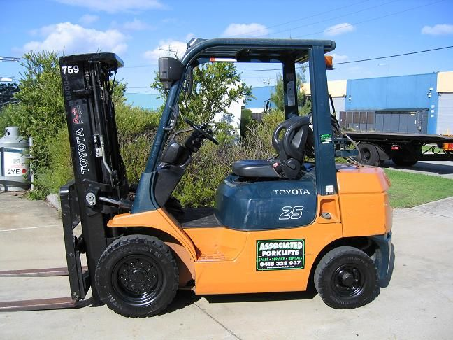 choose cheap 2.5T Forklift manufacturer | Forklift, Fuel economy, Outdoor  power equipment