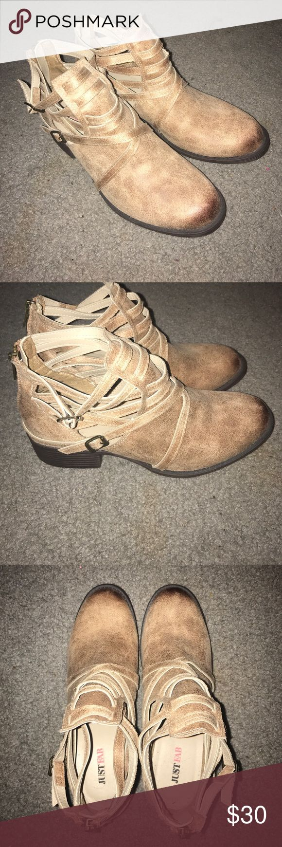 Ankle Boots Never worn Just Fab ankle boots! Perfect condition. Would be so cute with jeans! Zip in the back. JustFab Shoes Ankle Boots & Booties