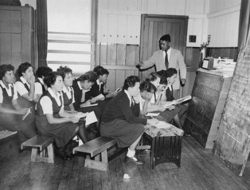 Teaching te reo Maori   NZHistory, New Zealand history online