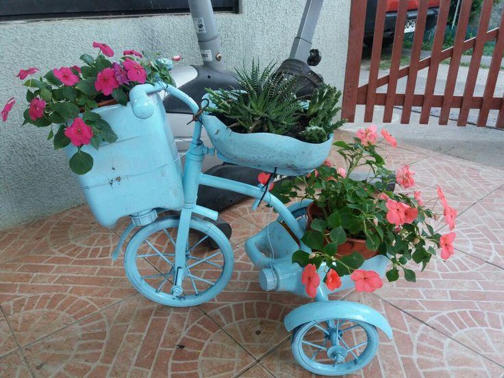 Reciclando triciclos antiguos para mi terraza
