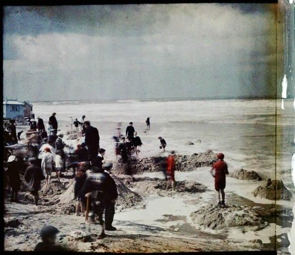 Na plaży w Ostendzie, 1908. Fot. Stanisław Wilhelm Lilpop