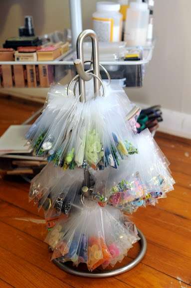 DIY Embellishment Organizer [Tutorial] : a mug tree + ring binders + jewelry-size ziplock baggies... Great idea!