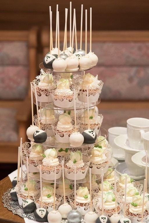 Unsere Hochzeitstorte - Cupcakes und Cakepops in weiß / silber / grau ...
