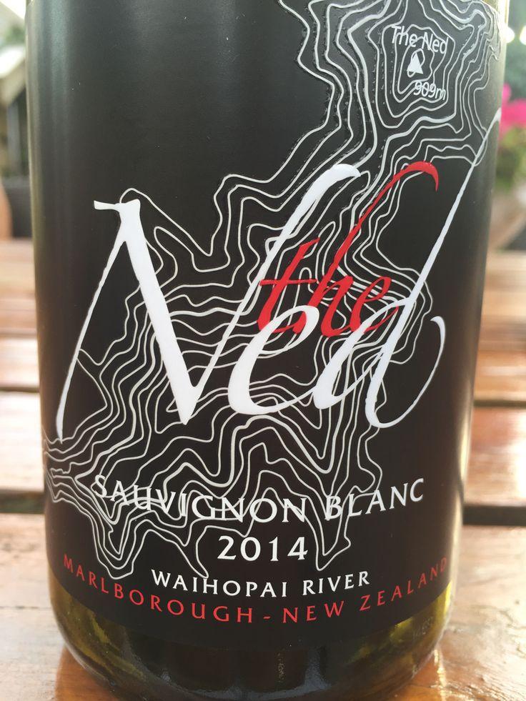 Een bijzondere sauvignon blanc van Marisco Vineyards, Nieuw Zeeland. Niet de stuivende geur in het glas, maar een verfijnde cirrus geur en ronde, vollere smaak. Valt daardoor juist op.   Gekocht bij: Lifestyle wijn en delicatessen in Huizen.