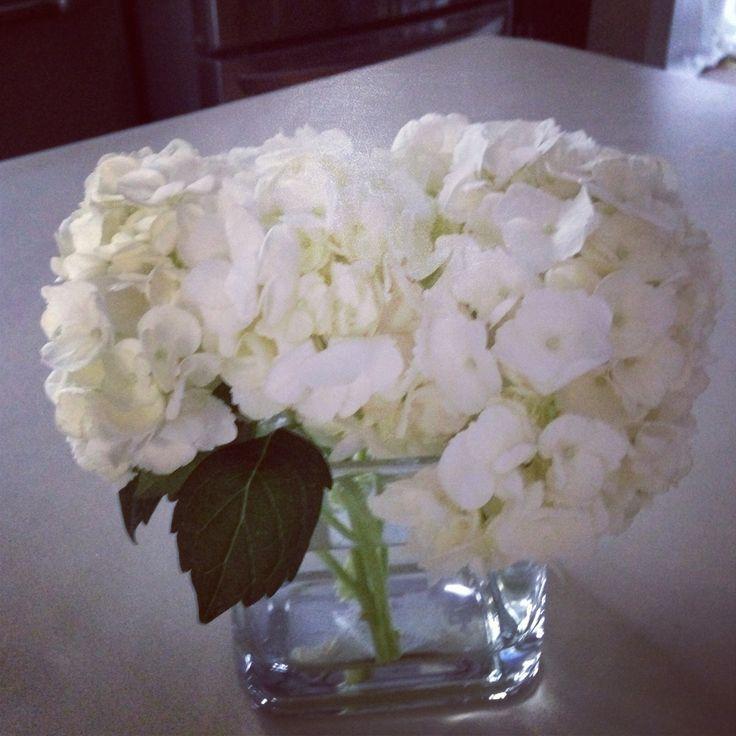 Simple DIY floral design for a bridal shower