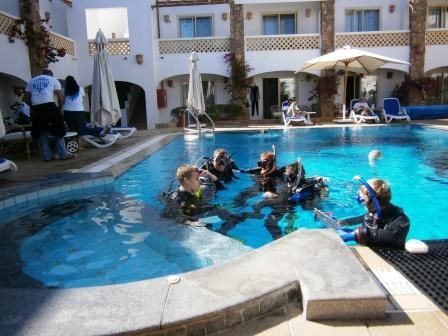 Our #padi instructor candidates in the pool being examined.