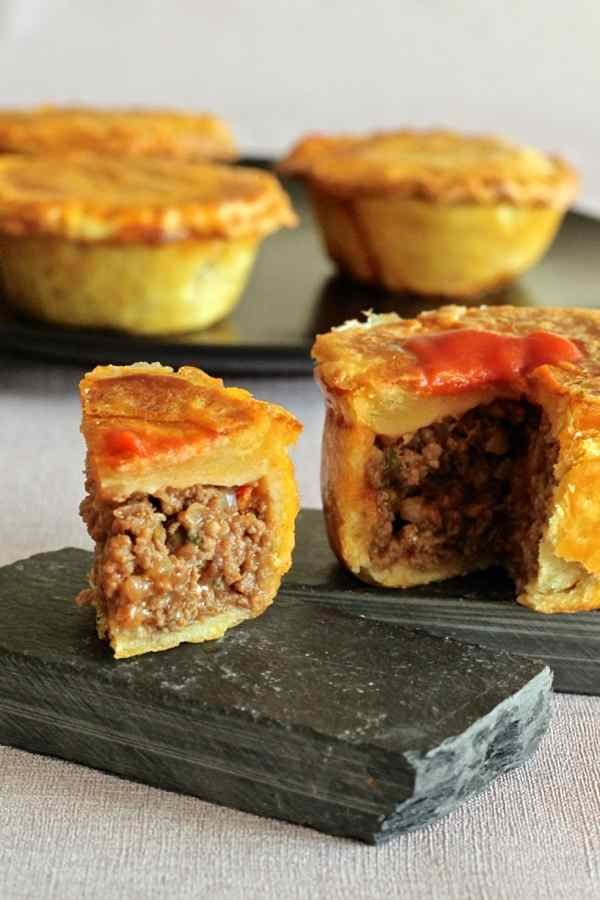 Looking for an apple pie or blueberry pie? When in Australia, you do as the mates do and eat meat pies! | www.airasia.com