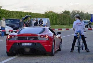 GOTN: Ποδήλατο κάνει κόντρα με Ferrari (ΒΙΝΤΕΟ)